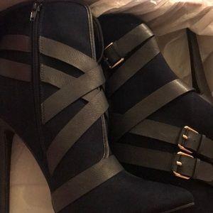 Size 10 Navy Heels